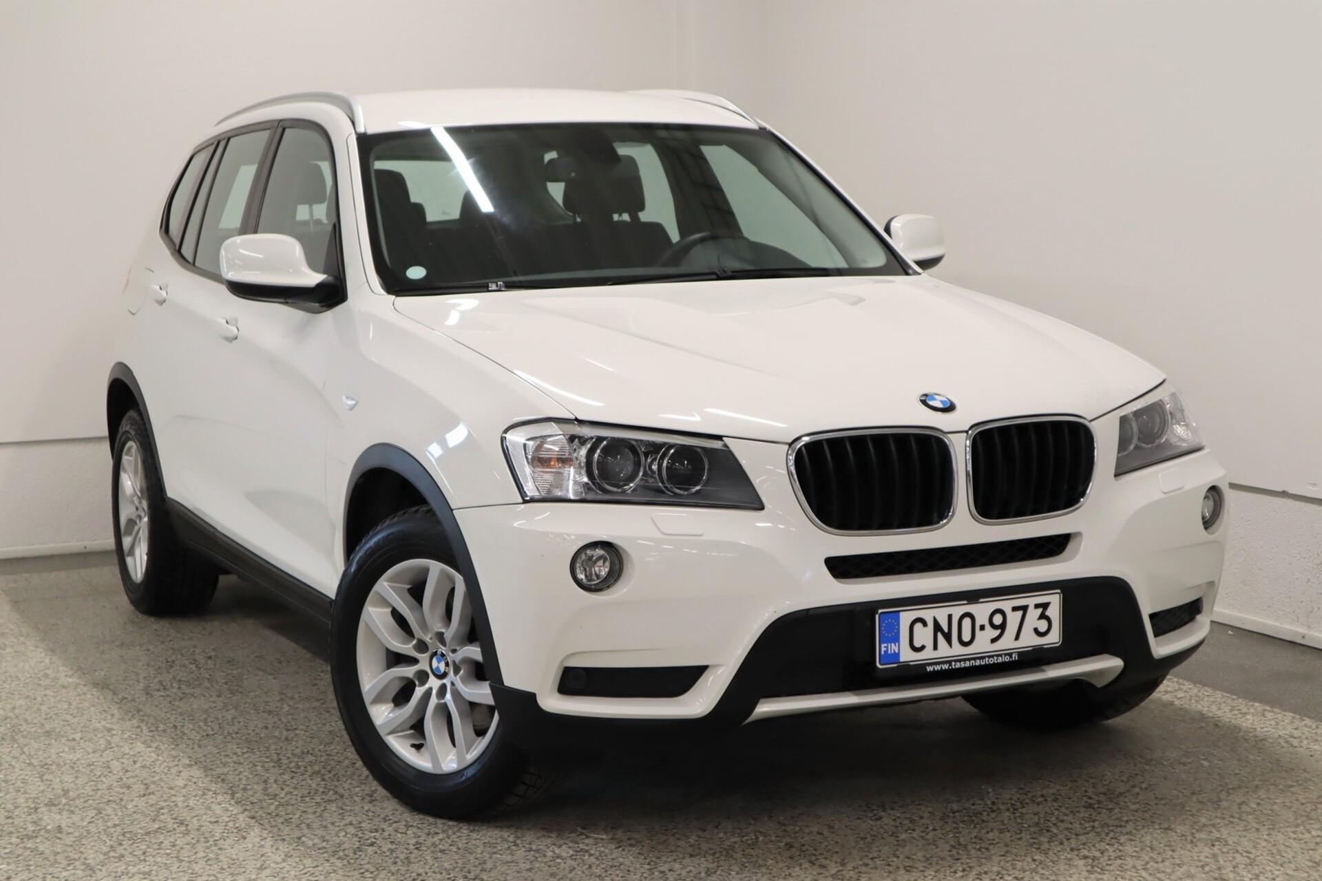 BMW X3 F25 xDrive20d TwinPower Turbo / Xenon valot / Tutkat / koukku