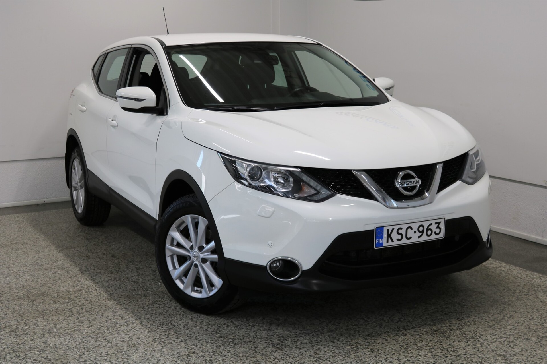 NISSAN QASHQAI DIG-T 115 Acenta 2WD 6M/T E6 Safety Pack
