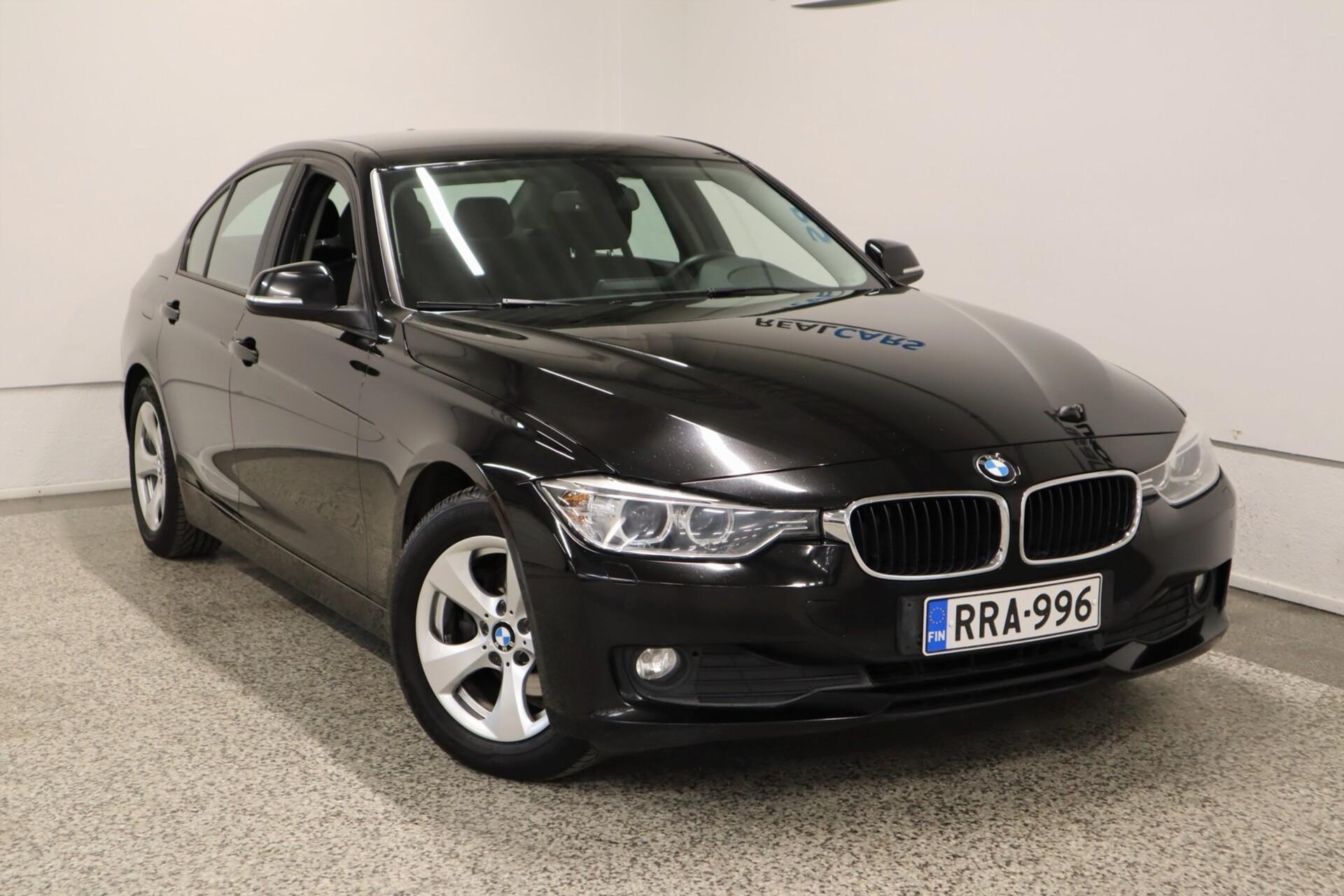 BMW 320 EfficientDynamics Edition A F30 Sedan Business Automatic Edition / Urheiluistuimet / Xenon / Tutka